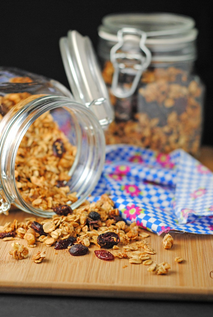 Maple Walnut Granola ~ Plus a $100 @FreundContainer Gift Certificate #Giveaway! | Juanita's Cocina